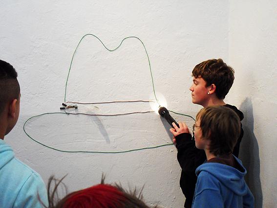 Der Hut mit zuckender Feder von Pascal, Felix und Timo.