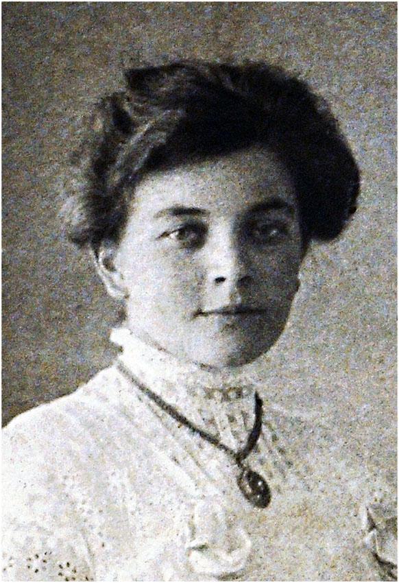 Anna Niehaus my grandmother 1894-1994