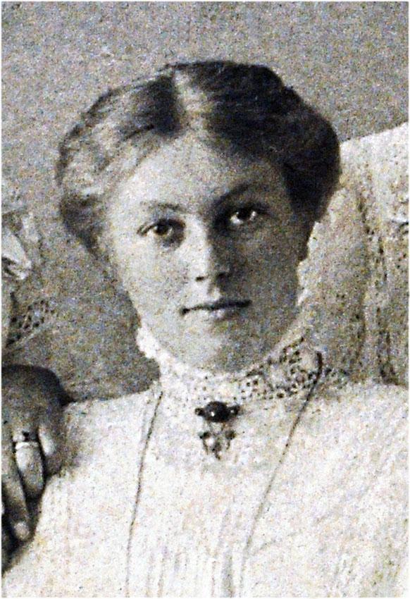 Frieda my grandaunt 1896-1974